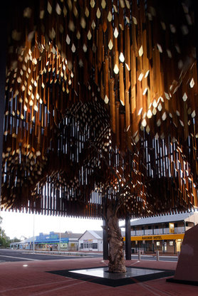 Barcaldine_tree_of_knowledge_memorial_by_brian_hooper_architect_and_m3architecture_photo_jon_linkins20130603-19838-ofadnp.gallery