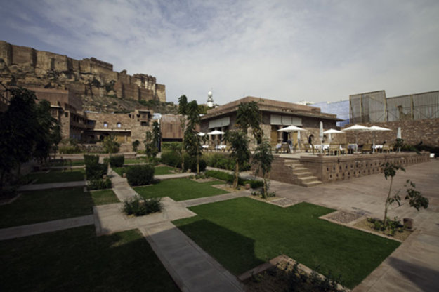 The-raas-hotel-in-jodhpur-india-yatzer-120130604-19838-dc3015.gallery