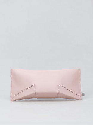 Lie_clutch_softpink-768x1024.gallery