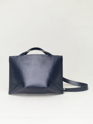 Lie_handbag_blue_front-768x1024.gallery